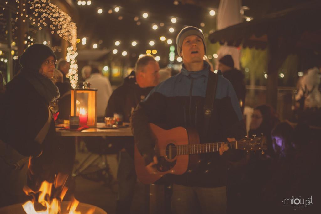 Fotografieren auf Weihnachtsmärkten - Gitarrist